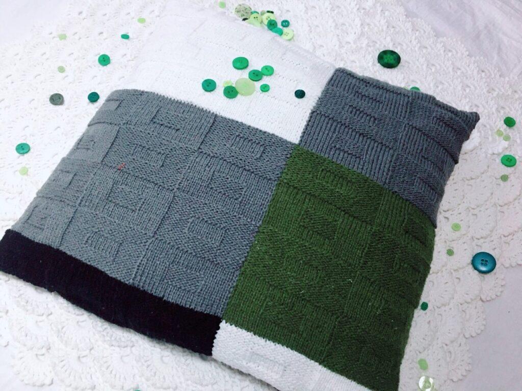 подушка спицами